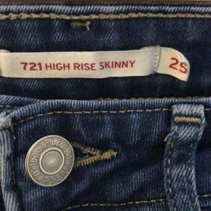 """Size 25"""" W high rise Levi's"""